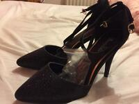 Brand new sparkly black shoes size 7