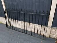 Iron railings (pair)
