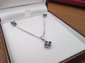 18ct White Gold Sapphire & Diamond flower Necklace & Earrings Set 5.6 Grams