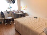 Spacious furnished *Double Room* in kingston /surbiton