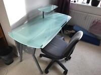 Offıce desk