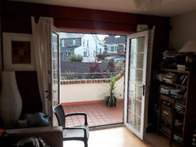 Central Bangor Unique 2 Bedromed Apartment With South Facing Balcony
