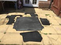 Land Rover Discovery HSE 3L floor matts