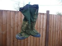 New Berghaus Yeti Attak II Gaiters - In Green, Small Size, No packaging but new - £45