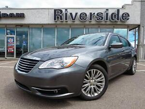 2012 Chrysler 200 Touring w/Voice Recognition!