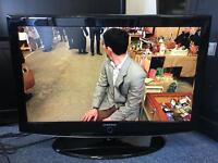 """Samsung 37"""" HD tv with freeview"""