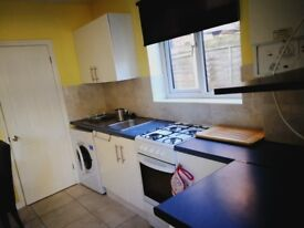 ONE BEDROOM FLAT FELTHAM/HEATHROW/HOUNSLOW LAVISH NEW FLAT WITH PRIVATE GARDEN