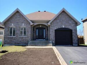 359 000$ - Bungalow à vendre à St-Hyacinthe Saint-Hyacinthe Québec image 1