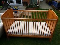 Cotbed - Babies r us plus 2 mattresses.