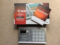 NI Maschine Mikro MkII (Native Instruments) Mk2 with V2 Software, Mint Condition