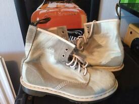 Dr martins boots size 7