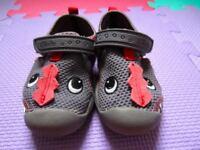 Clark's Doodles Summer Shoes. Size 4.5 F
