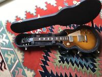 Gibson Les Paul standard 2004 model with factory fitted case