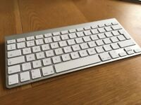 Apple Wireless 'Magic' Keyboard - BLUETOOTH - AS NEW - Fantastic condition - Bargain at £25