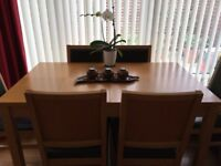 Oak extending dining Table + 6 padded chairs