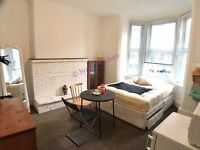 Large, Clean & Bright Double Room * 7 Min Walk to Town * Fibre WiFi * Friendly & Flexible Landlord