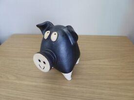 CERAMIC / POTTERY / CLAY STUDIO ART PIG 'HAPPY PIGGY' MAKE GREAT GIFT
