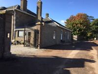 Fully furnished modernised country cottage in quiet location 5 mins from Monifieth.