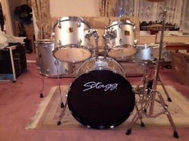 Stagg drum kit (Silver)
