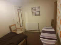 LOW DEPOSIT!! Superb rooms fully furnished proffesional house share, by Walsall town.