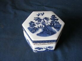 Booths Real Old Willow Lidded Trinket Box