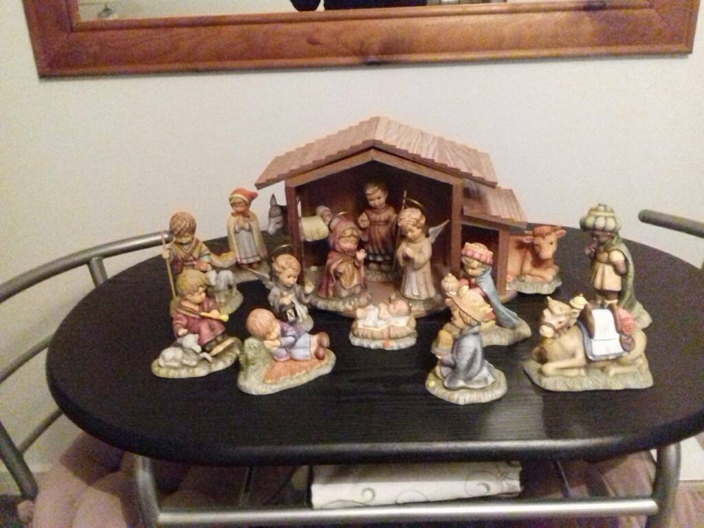 Berth hummel nativity