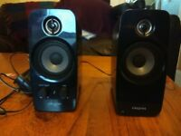 Set of two speakers