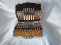 ANTIQUE CUTLERY SET IN BOX