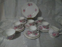21 PIECE DUCHESS CHINA TEASET PINK ROSES CUPS SAUCERS TEA PLATES MILK JUG SUGAR BOWL CAKE PLATE