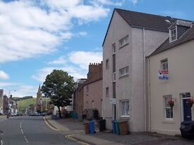 3 bed flat to let in Newburgh £455 per month.