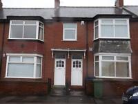 3 bedroom flat in Sackville Road, Heaton