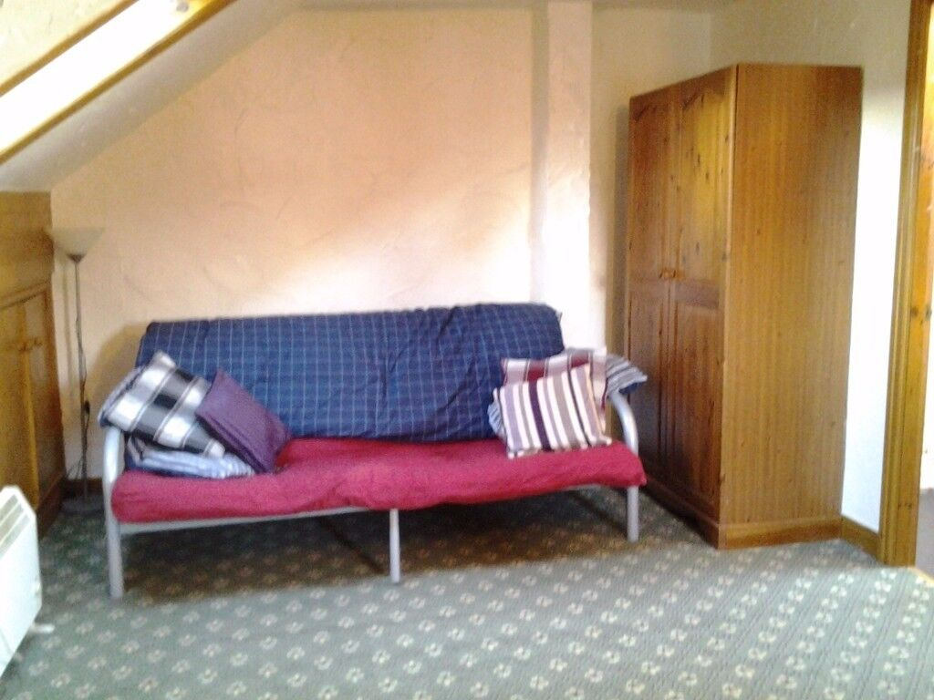 1 bed, 2 story flat. Between Lancaster & Garstang