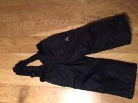 Black ski trousers age 3-4 (boy or girl)