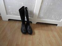 Mens black boots size 12