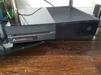Selling xbox 1 with games and controllers