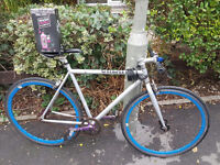 GREAT AND FAST Fixx Gear Fixie Bike Bicycle Create with EXTRAS: chain, light, bell, maintenance kit