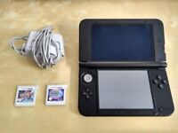 Nintendo 3DS XL with 2 games - Pokemon Y and Pokemon Moon