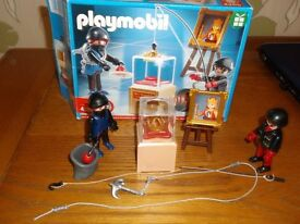 Small playmobil set, jewellery thief set, as new, boxed. All pieces and instructions in box.
