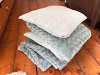 Turquoise/blue furry blanket and 3 x cushions
