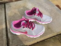 Womens Nike trainers UK size 5