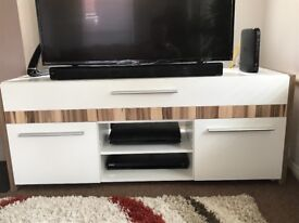 TV cabinet in great condition