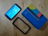 Nexus 5 White, unlocked to all networks, Excellent Condition - £100 ono