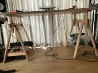 Wide adjustable table for work