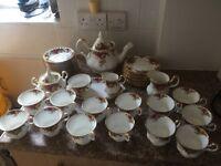 Old county roses, royal Albert bone china tea set. Made in England 1962
