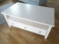 ALL SOLID OAK WIDE SCREEN TV TABLE 1 FULL DRAWER
