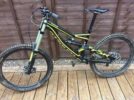 Specialised status 2 fsr 2014 down hill bike