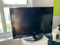 LG HD 32' TV for sale
