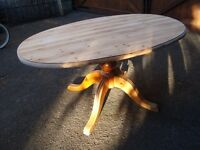 SOLID PINE OVAL TABLE IDEAL SHABBY CHIC TOP BEEN SANDED DOWN IN VERY GOOD CONDITION FOR QUICK SALE