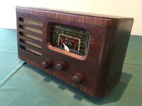 OLD VALVE RADIO