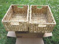 2 storage baskets
